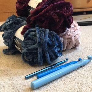 Crochet hooks with velvet yarn